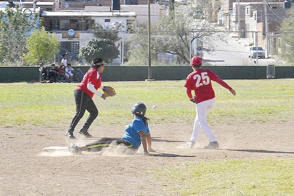 DEPORTIVO JÁUREGUI y Deportivo Macías dividieron triunfos, para obligar un tercer y decisivo encuentro por el boleto a semifinales.