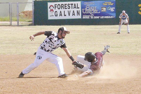 Los Lobos Grises de la UTP conquista su primer triunfo en la Liga Invernal de Beisbol