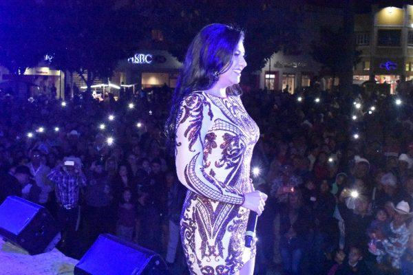 """""""Graciela Beltrán"""" se entrega al público parralense y a sus visitantes."""