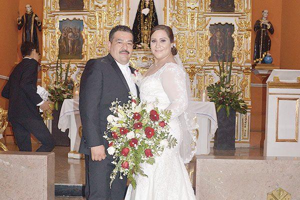 Elegante enlace matrimonial de Morayma  Guerrero y Manuel Antonio Loya