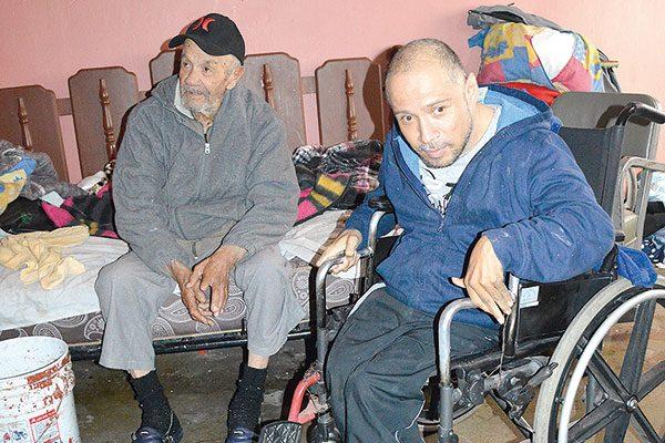 La fortaleza del alma mantiene en pie a Don Ángel a los 85 años