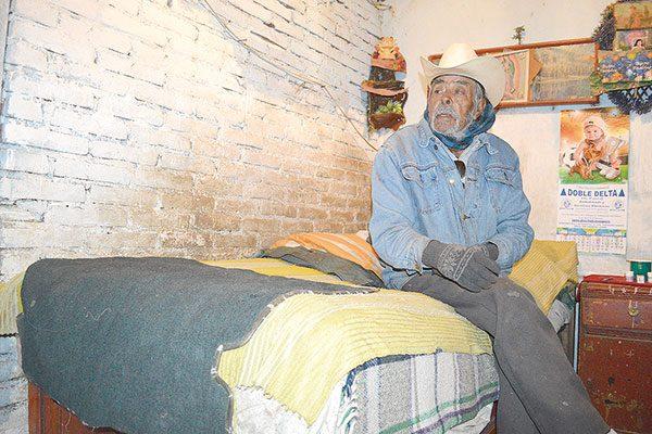La pobreza y la soledad acompañan a Don Leonardo