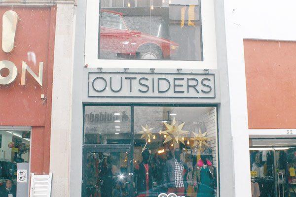 Gran Inauguración de Outsiders
