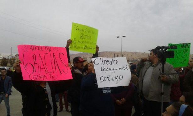 [Video] Vecinos solicitan a Alfredo Lozoya postularse por la reelección
