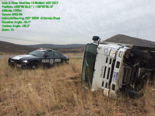 Vuelca automotor en la rúa Parral-Jiménez
