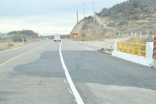 Deterioro, parches y cuarteduras en 13 Kms. tramo Parral-Zaragoza
