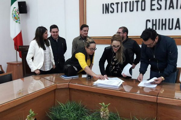 """Formalizan la coalición del """"Frente por México"""""""