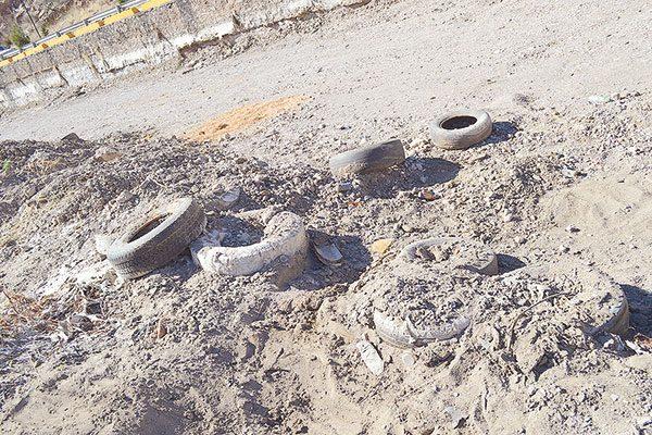Vado del Molino del Retiro cementerio de  neumáticos