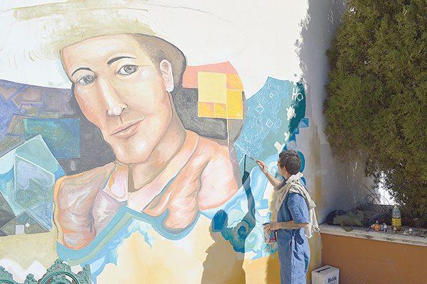 """Plasma un gran mural de Jesús Valdez """"El cuadrado"""""""
