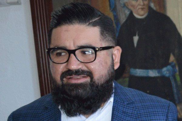 Omisiones del IEE, señala el Secretario del Ayuntamiento