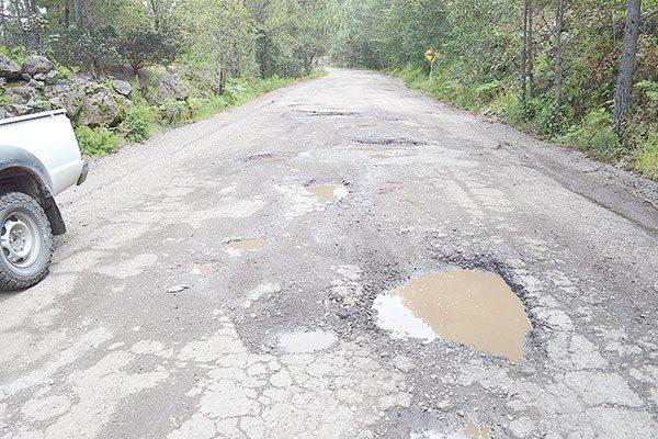 Empeoran condiciones de la carretera a Guadalupe y Calvo: Alcalde Chávez