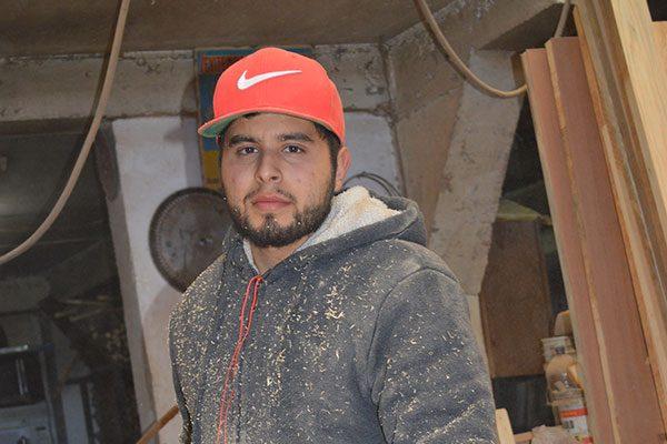 La carpintería, arte heredado a Jesús Alfredo Rentería