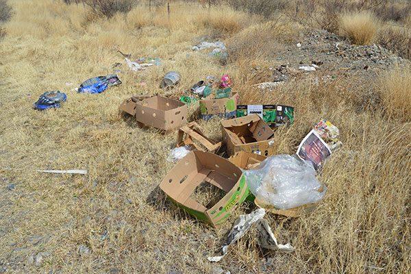 Siguen los basureros clandestinos en tramo a Villa Escobedo