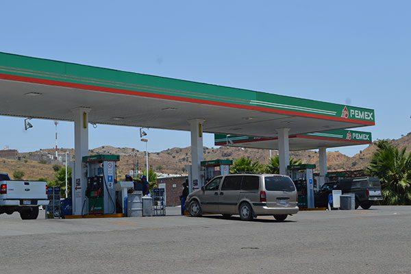 Descartan aumento brusco  en el precio de la gasolina