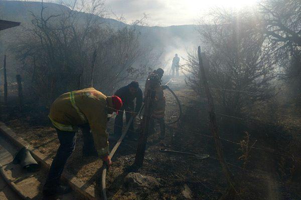 Incendio provocado consume cientos de metros de pastizal en el Perimetral Sur