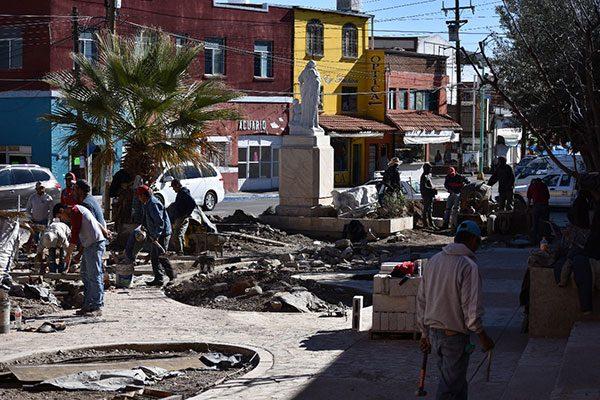 Avanzan mejoras a la antigua plaza de San Nicolás