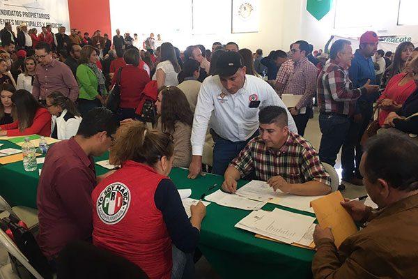 Realiza PRI pre registro de aspirantes a Presidente Municipal y Síndico para 34 municipios; además, para 15 distritos electorales al Congreso del Estado