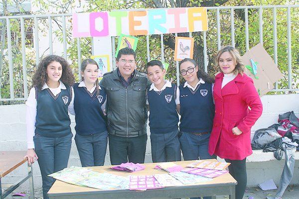"""En la Secundaria Francisca Lozano Olivas  """"La Feria en la Escuela"""""""