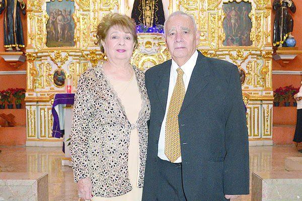 Leticia e Ignacio Muñoz Celebran Bodas de Oro