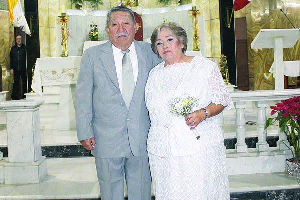 Celebran  60 Años de Matrimonio Herminio y Hermila Rivera