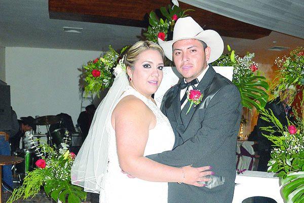 Elegante Enlace Matrimonial de Sarahy Duarte y Adbeel González