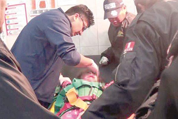 Motociclista atropella a niña; está lesionada