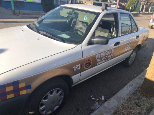 Roban taxi en la colonia Juárez