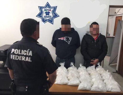 Portaban dos jóvenes 15 kilos de cristal; fueron detenidos cerca del Granillo