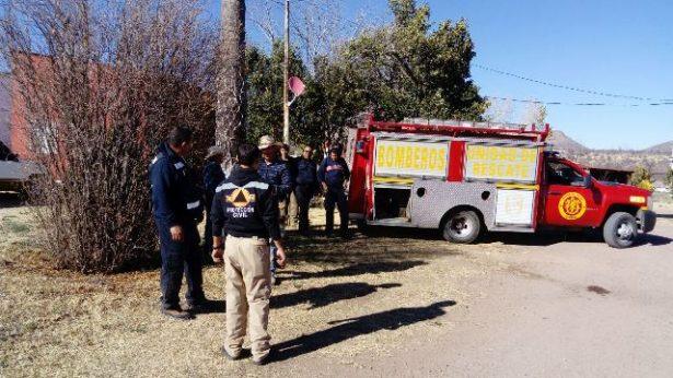 Los bomberos de Parral apoyan en la sofocación de incendio en Rancho Primero