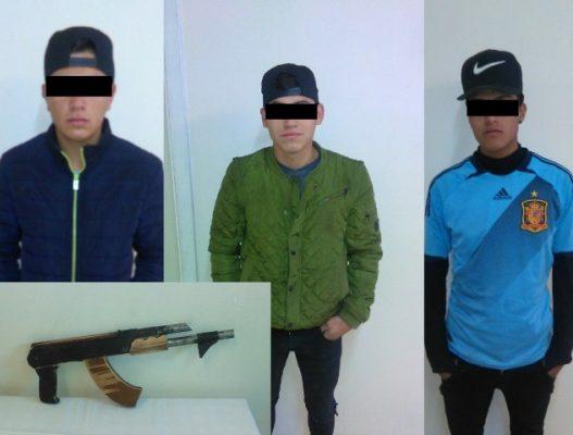 Detienen a tres jóvenes portando un arma hechiza en la E. Zapata
