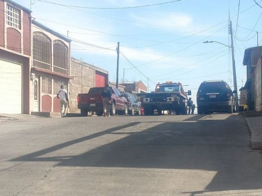Aseguran vehículo del detenido en escena de la balacera