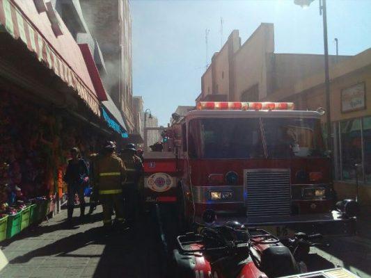 [Galería y Videos] Se quema bodega del negocio Tavito Toys