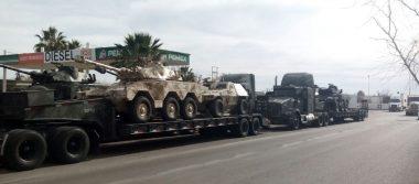 Cautiva a la vieja Huejoquilla convoy de tanques de guerra y vehículos blindados