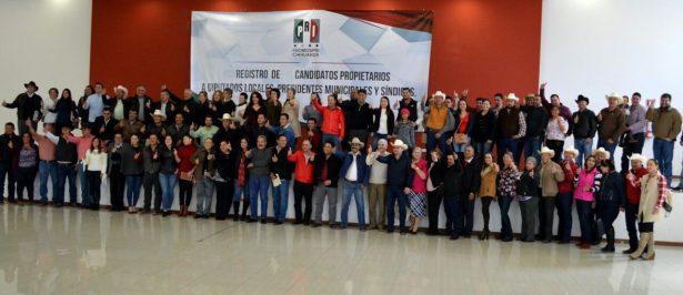 Sectores y organizaciones del PRI otorgan el apoyo reglamentario a aspirantes a alcaldes y síndicos