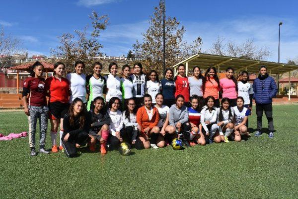"""Concluye con éxito la 2ª visoría y se integra  el equipo de fútbol """"Mineras de Parral"""""""