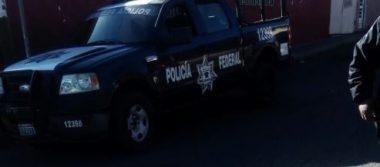 Choca unidad de la Policía Federal contra Carro