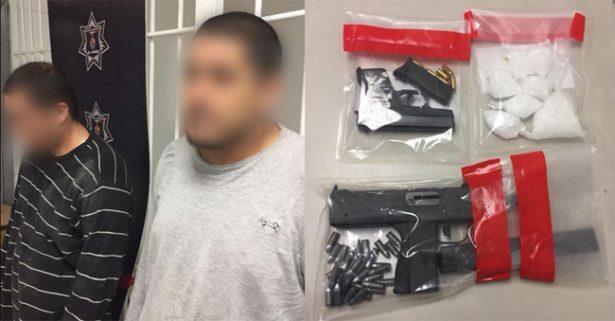Caen dos 'mexicles' con arma 'Uzi' para defenderse de rivales en Juárez