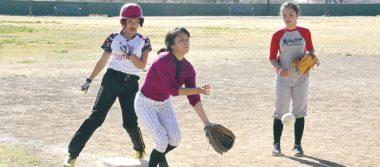 Diablas apaleó al Deportivo Claudia en softbol femenil