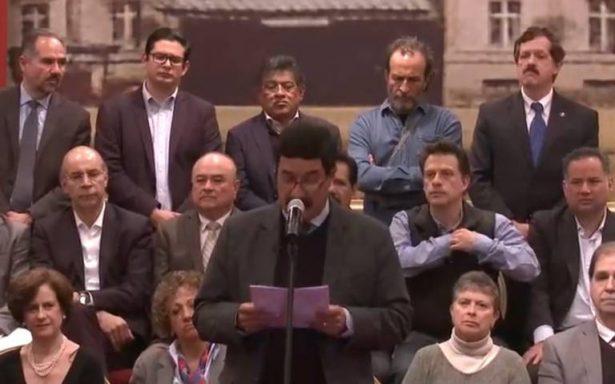 Corral habla de represalias contra Peña Nieto