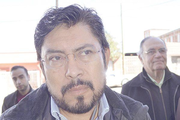 P. Villalobos es mi intermediario con amigos de otros partidos