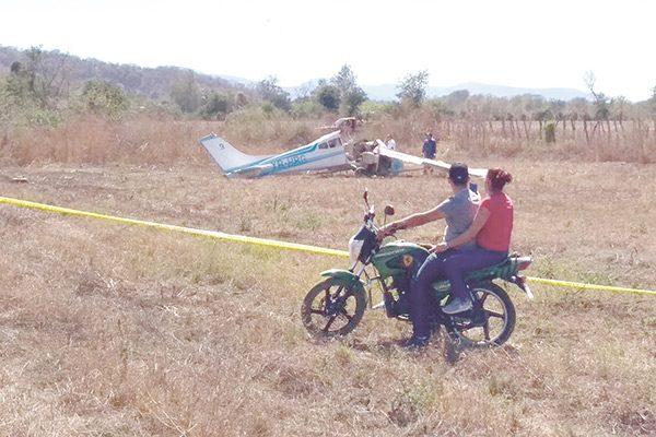 Mueren dos parralenses en avionetazo