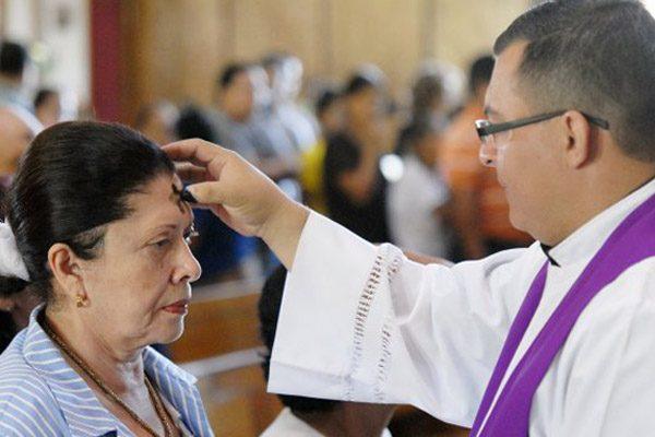 La Iglesia propone ayuno y abstinencia en San Valentín