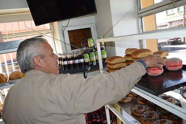 Hasta 30% baja la venta de pan en las panificadoras