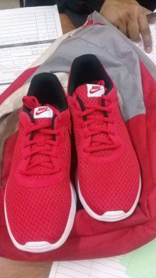 Arrestan a menor de edad por robo de calzado de una zapatería