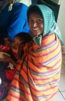 Dan atención médica a familia rescatada por el DIF en Gpe. y Calvo