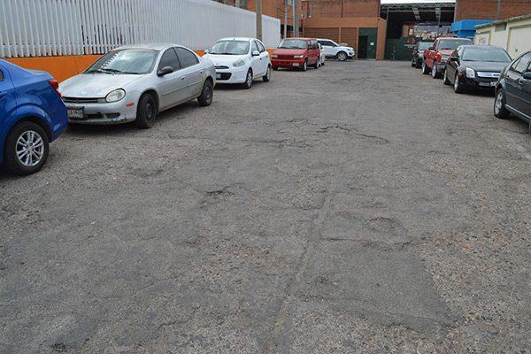 Avenida Jesús Valdez en malas condiciones