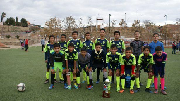 """Centenario-Banda Loyhers campeón en juvenil """"A"""" de la Liga Burocrática de Futbol"""