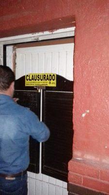 Reportan un robo y terminan clausurando una cantina en la Colon