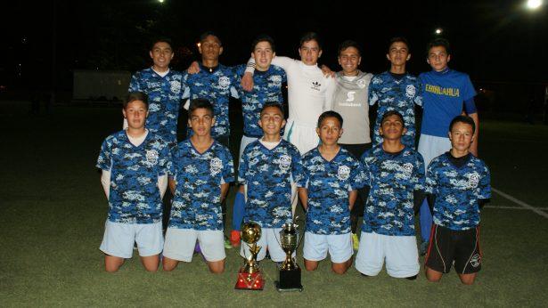 """¡Centenario FC-03 campeón de juvenil """"B"""" de la Liga Burocrática de Futbol"""