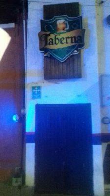 Registran intensa riña en interior de un bar localizado en la avenida independencia